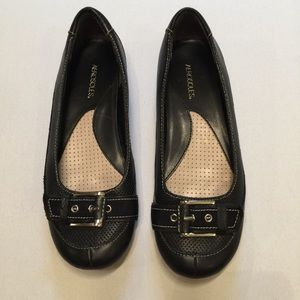 Aerosoles Carefree shoes flats with cute buckle